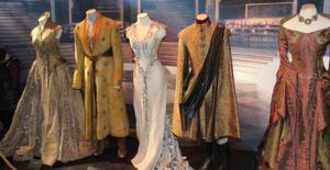 game_of_thrones_oslo_exhibition_2014_-_royal_court_costumes